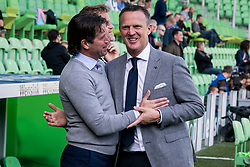 (L-R) coach Ernest Faber of FC Groningen, coach John van den Brom of AZ during the Dutch Eredivisie match between FC Groningen and AZ Alkmaar at Noordlease stadium on October 15, 2017 in Groningen, The Netherlands