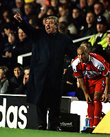 Terry Venables issues instructions while bringing on Curtis Fleming during the second half.Tottenham Hotspur v Middlesbrough.23/12/2000 FA.Carling Premiership. Credit: Colorsport/Andrew Cowie.