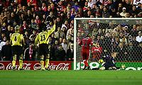 Fotball<br /> England 2004/2005<br /> Foto: SBI/Digitalsport<br /> NORWAY ONLY<br /> <br /> Middlesbrough v Liverpool<br /> Barclays Premiership, Riverside Stadium, Middlesbrough 20/11/2004<br /> <br /> Middlesbrough's Bolo Zenden (#32) scores his team's second goal.