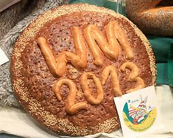 30.01.2013, Schladming, AUT, FIS Weltmeisterschaften Ski Alpin, Schladming 2013, Vorberichte, im Bild ein WM-Brot in einem Schaufenster am 30.01.2013 // a championship-bread in a show window on 2013/01/30, preview to the FIS Alpine World Ski Championships 2013 at Schladming, Austria on 2013/01/30. EXPA Pictures © 2013, PhotoCredit: EXPA/ Martin Huber