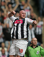 Photo: Lee Earle.<br /> West Bromwich Albion v Hull City. Coca Cola Championship. 05/08/2006. Albion's John Hartson celebrates his opening goal.