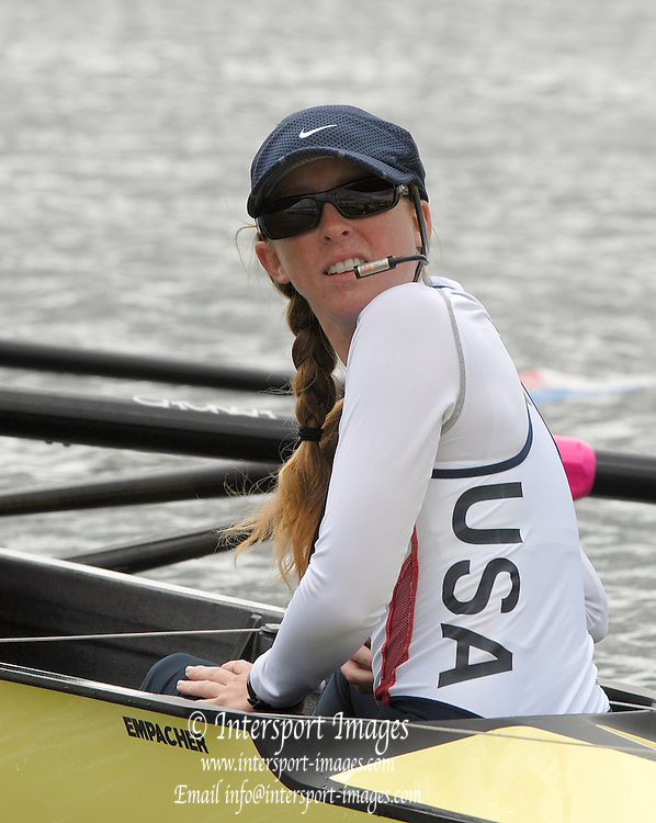 Eton, GREAT BRITAIN, USA W8+, Cox, Mary WHIPPLE, checks the boat moving onto the dock at the start. 2006 World Rowing Championships, 21/08/2006.  Photo  Peter Spurrier, © Intersport Images,  Tel +44 [0] 7973 819 551,  email images@intersport-images.com , Rowing Courses, Dorney Lake, Eton. ENGLAND