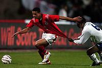Fotball<br /> VM-kvalifisering<br /> Azerbaijan / Aserbaijan v England<br /> 13.10.2004<br /> Foto: BPI/Digitalsport<br /> NORWAY ONLY<br /> <br /> 13/10/2004 Azerbaijan v England, World Cup Qualifier, Tofiq Berhamov Stadium<br /> <br /> Jermaine Jenas is grabbed by Koilmil Guliyev