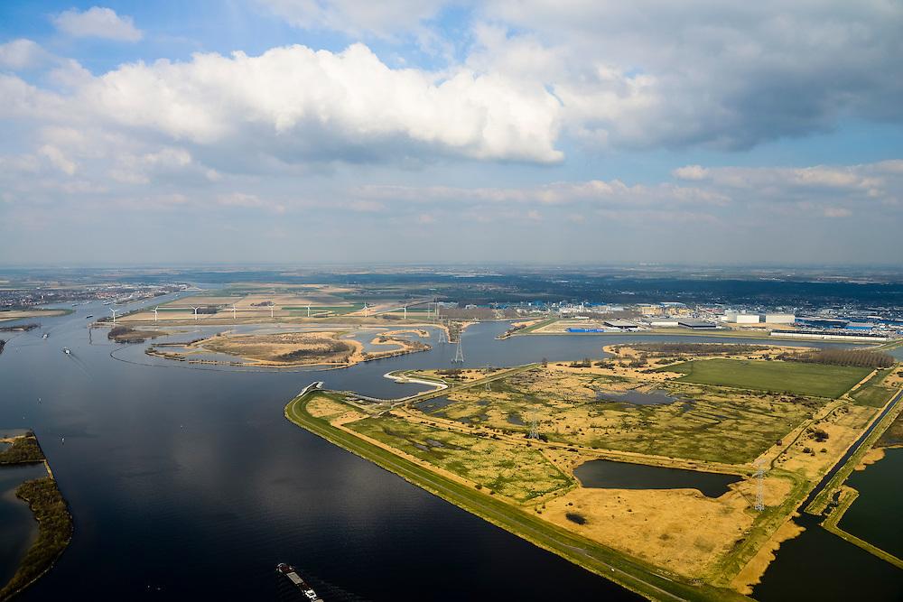 Nederland, Noord-Brabant, Bergen op Zoom, 01-04-2016; Zoommeer zoetwaterbuffer en opvangbassin voor oppervlaktewater bij hoogwater. Schelde-Rijnkanaal en Molenplaat.<br /> Zoommeer freshwater buffer and mergency basin for surface water at high tide.<br /> <br /> luchtfoto (toeslag op standard tarieven);<br /> aerial photo (additional fee required);<br /> copyright foto/photo Siebe Swart