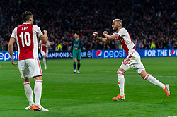 08-05-2019 NED: Semi Final Champions League AFC Ajax - Tottenham Hotspur, Amsterdam<br /> After a dramatic ending, Ajax has not been able to reach the final of the Champions League. In the final second Tottenham Hotspur scored 3-2 / Hakim Ziyech #22 of Ajax scores 2-0, Dusan Tadic #10 of Ajax