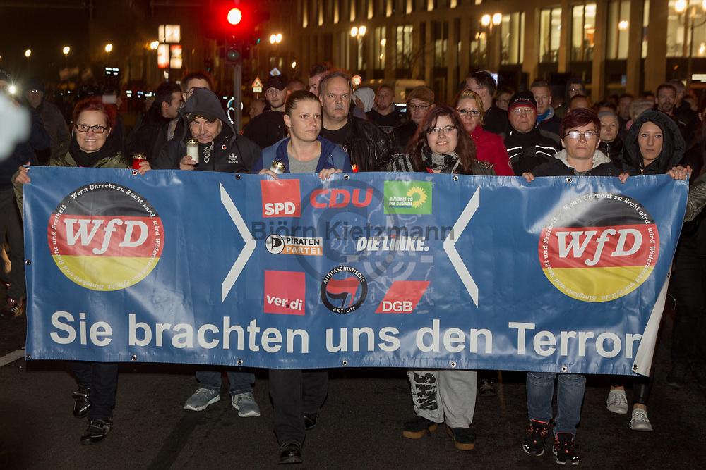 """Berlin, Germany - 09.11.2018<br /> <br /> Far right-wing march of the initiative """"We for Germany"""" on the 80th anniversary of the Progrom Night in Berlin's government quarter. <br /> <br /> Rechtsradikaler Aufmarsch der Initiative """"wir fuer Deutschland"""" am 80. Jahrestag der Reichsprogromnacht im Berliner Regierungsviertel. <br /> <br /> Photo: Bjoern Kietzmann"""