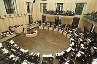 30 MAR 2001, BERLIN/GERMANY:<br /> Uebersicht des Plenarsaal Deutscher Bundesrat, von der Pressetribuehne aus gesehen<br /> IMAGE: 20010330-01/01-24<br /> KEYWORDS: Plenum, Saal, Innen, Übersicht