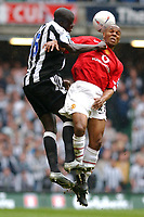 Fotball<br /> England 2004/2005<br /> Foto: SBI/Digitalsport<br /> NORWAY ONLY<br /> <br /> Date: 17/04/2005<br /> <br /> Manchester United v Newcastle United<br /> <br /> FA Cup Semi-Final<br /> <br /> Manchester United's Quinton Fortune and Newcastle United's Amdy Faye battle for the ball.