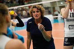20181024 NED: CL, Sliedrecht Sport - Allianz MTV Stuttgart, Sliedrecht<br />Vera Koenen, headcoach of Sliedrecht Sport <br />©2018-FotoHoogendoorn.nl / Pim Waslander