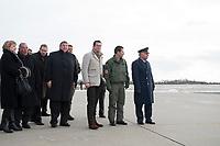 """30 NOV 2010, JAGEL/GERMANY:<br /> Abgeordnete des Deutschen Bundestages, Karl-Theodor zu Guttenberg (3.v.R.), CSU, Bundesverteidigungsminister, Oberst Karsten Stoye (2.v.R.), Kommodore Aufklärungsgeschwader 51 """"Immelmann"""", und Generalleutnant Aarne Kreuzinger-Janik, Inspekteur der Luftwaffe (R), erwarten die Rueckkehr der in Afghanistan eingesetzten RECCE TORNADO Aufklaerungsjets, Aufklaerungsgeschwader 51 """"Immelmann"""", Fliegerhorst Jagel<br /> IMAGE: 20101130-01-020<br /> KEYWORDS: Bundeswehr, Armee, Luftwaffe"""