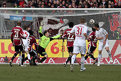20.02.2010, EasyCredit Stadion, Nürnberg, GER, 1. FBL, 1. FC Nuernberg vs FC Bayern Muenchen, Saison 09 10, im Bild Thomas Mueller (Bayern #25) schiesst das 1:0. EXPA Pictures © 2010 for Austria, Italy and GBR only, Photographer EXPA / NPH  / Becher / for Slovenia SPORTIDA PHOTO AGENCY.