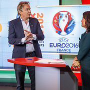 NLD/Hilversum/20160526 - perspresentaties NOS Sportzomer 2016, EK Voetbal & Tour de France, Tom Egbers en Dione de Graaff