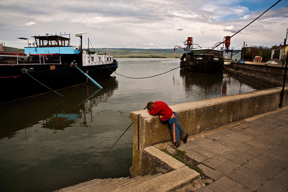 Roma fishing in the Danube river in Veliko Gradiste, Serbia<br /> <br /> Matt Lutton for The Wall Street Journal<br /> <br /> SERBELECT