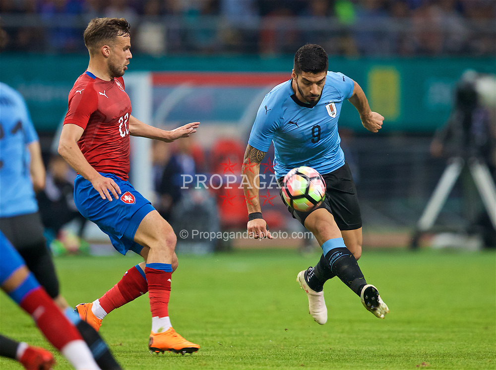 NANNING, CHINA - Friday, March 23, 2018: Uruguay's Luis Suárez during the 2018 Gree China Cup International Football Championship match between Uruguay and Czech Republic at the Guangxi Sports Centre. (Pic by David Rawcliffe/Propaganda)