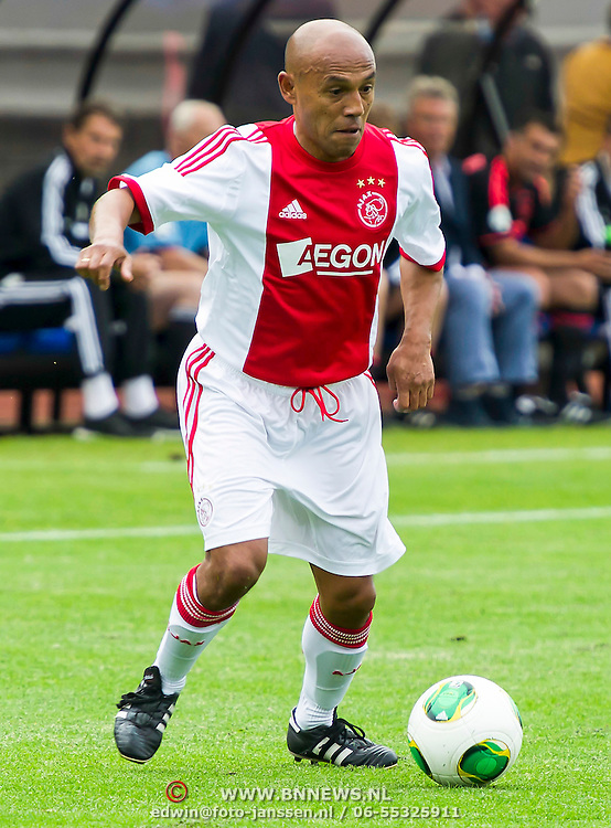 Amsterdam, 03-07-2013. Oud-Ajaxied Sjaak Swart wordt 75 jaar en krijgt een jubileumwedstrijd in het Olympisch Stadion te Amsterdam. Vele oud-Ajax gedienden waren uitgenodigd. Mr. Ajax - Sjaak Swart maakte deel uit van oud-Ajax elftal. Foto:
