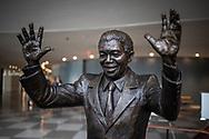 NEW YORK  2020V10<br /> Staty av Nelson Mandela i FN-huset, New York.<br /> <br /> Foto: Per Danielsson/Projekt.P