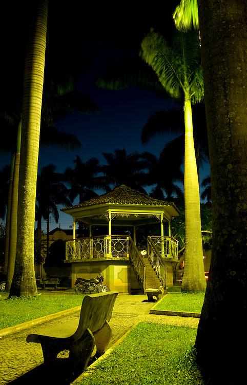 Entre Rios de Minas_MG, Brasil...Coreto em uma praca em Entre Rios...The bandstand in the square in Entre Rios...Foto: PEDRO SILVEIRA /  NITRO