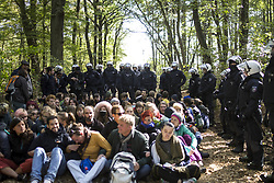 September 28, 2018 - Kerpen, Nordrhein-Westfalen, Germany - Eviction of the occupation of the Hambacher Forest. (Credit Image: © Jannis Grosse/ZUMA Wire)