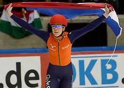 19-01-2014 SHORTTRACK: ISU EUROPEAN CHAMPIONSHIPS: DRESDEN<br /> In het EnergieVerbund Arena wordt het EK Shorttrack gehouden / Jorien ter Mors (NED) Europees kampioen<br /> ©2014-FotoHoogendoorn.nl