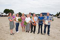 Familie Van Os fokkers van het jaar 2012 richting dressuur<br /> KWPN Paardendagen Ermelo 2012<br /> © Dirk Caremans