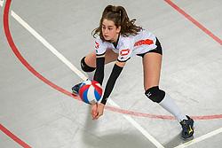 02-02-2019 NED: Regio Zwolle Volleybal - Sliedrecht Sport, Zwolle<br /> Round 16 of Eredivisie volleyball - Sliedrecht win the match 3-2 / Julia Joosten #12 of Zwolle