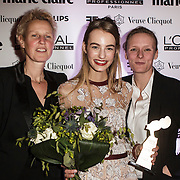 NLD/Amsterdam/20150119 - De Marie Claire Prix de la Mode awards, Maartje Verhoef met haar moeder en agent