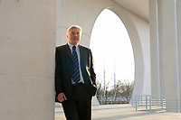14 APR 2003, BERLIN/GERMANY:<br /> Frank-Walter Steinmeier, SPD, Staatssekretaer, Chef Bundeskanzleramt, Bundeskanzleramt<br /> IMAGE: 20030414-01-034<br /> KEYWORDS: Staatssekretär