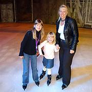 Premiere Holiday on Ice 2004, Linda, Diana en Anneke Janssen
