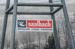 31.03.2020, Saalbach Hinterglemm, AUT, Coronaviruskrise, tägliches Leben mit dem Coronavirus, im Bild das Logo der Bergbahnen Saalbach Hinterglemm Leogang Fieberbrunn an der Brücke des Schattberg X-Press. Mit 01.04.2020, 00.00 Uhr wird die Pinzgauer Gemeinde Saalbach Hinterglemm unter Quarantäne gestellt // the logo of the Saalbach Hinterglemm Leogang Fieberbrunn mountain railway at the bridge of the Schattberg X-Press. The Pinzgau municipality of Saalbach Hinterglemm will be placed in quarantine on April 1, 2020 at 00:00., Saalbach Hinterglemm, Austria on 2020/03/31. EXPA Pictures © 2020, PhotoCredit: EXPA/ Stefanie Oberhauser