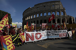 October 22, 2016 - Rome, Italy - People march through downtown Rome during a protest against Matteo Renzi's government politics on October 22, 2016 in Rome, Italy. (Credit Image: © Christian Minelli/NurPhoto via ZUMA Press)