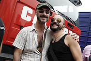 Torino, Gay Pride 2006: coppia gay