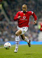 Fotball<br /> Foto: BPI/Digitalsport<br /> NORWAY ONLY<br /> <br /> Manchester United v Arsenal<br /> Carling Cup, Quater Final. 01/12/2004.<br /> <br /> David Bellion of Man Utd chases a lost ball