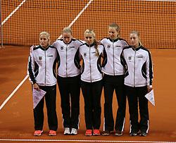 20.04.2013, Porsche-Arena, Stuttgart, GER, Fed CUP, Playoff, Deutschland vs Serbien, im Bild, v.l.n.r. Teamchefin Barbara RITTNER, Anna-Lena GROENEFELD, Sabine LISICKI, Mona BARTHEL, Angelique KERBER // during the Fed Cup World Group Playoff between Germany and Serbia at the Porsche-Arena, Stuttgart, Germany on 2013/04/20. EXPA Pictures © 2013, PhotoCredit: EXPA/ Eibner/ Eckhard Eibner..***** ATTENTION - OUT OF GER *****