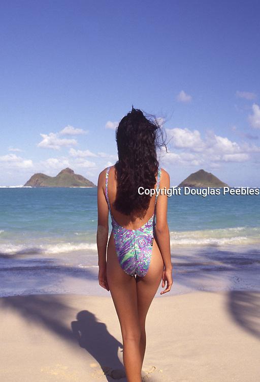 Polynesian woman, Lanikai Beach, Oahu, Hawaii<br />