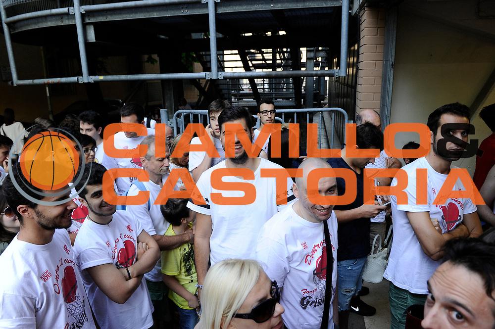 DESCRIZIONE : Reggio Emilia Lega A 2014-15 Grissin Bon Reggio Emilia - Banco di Sardegna Sassari playoff Finale gara 1 <br /> GIOCATORE : tifosi<br /> CATEGORIA : tifosi pregame before<br /> SQUADRA : Grissin Bon Reggio Emilia<br /> EVENTO : LegaBasket Serie A Beko 2014/2015<br /> GARA : Grissin Bon Reggio Emilia - Banco di Sardegna Sassari playoff Finale gara 1<br /> DATA : 14/06/2015 <br /> SPORT : Pallacanestro <br /> AUTORE : Agenzia Ciamillo-Castoria /M.Marchi<br /> Galleria : Lega Basket A 2014-2015 <br /> Fotonotizia : Reggio Emilia Lega A 2014-15 Grissin Bon Reggio Emilia - Banco di Sardegna Sassari playoff Finale gara 1<br /> Predefinita :