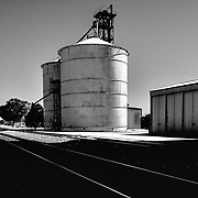 Coonalpyn, Australia (SA): Wiew of the Silos at Railway line in Coonalpyn.. Signed and editioned prints available at 50x40cm. Get and touch, for commercial uses or other sizes. Photographs by Alejandro Sala | architecture + photograph