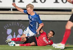 Magnus Warming (Lyngby Boldklub) tackles af Carlos Zeca (FC København) under kampen i 3F Superligaen mellem Lyngby Boldklub og FC København den 1. juni 2020 på Lyngby Stadion (Foto: Claus Birch).