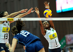 28-08-2010 VOLLEYBAL: WGP FINAL BRAZIL - ITALY: BEILUN NINGBO<br /> Brazil crush Italy in straight sets / Fabiana Claudino and Sheilla Castro<br /> ©2010-WWW.FOTOHOOGENDOORN.NL