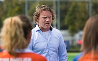 AMSTELVEEN - HOCKEY - Jorge Nolte, coach van Bloemendaal na de eerste competitiewedstrijd van het nieuwe seizoen tussen de vrouwen van Pinoke en Bloemendaal. COPYRIGHT KOEN SUYK