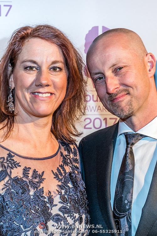 NLD/Hilversum//20170306 - uitreiking Buma Awards 2017, Peter Slager en partner Liesbeth