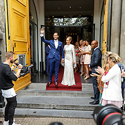 NLD/Amsterdam/20150620 - Huwelijk Kimberly Klaver en Bas Schothorst, bruid Kimberly Klaver