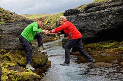 09-07-2014 ISL: Iceland Diabetes Challenge Dag 5, Emstrur<br /> Van Alftavatn naar Emstrur / Sandra Ciere-Koolhaas, Bas van de Goor