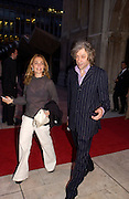 Sir Bob Geldof and Jeanne Marine , President Bill Clinton book party, Guildhall, 12 July 2004. SUPPLIED FOR ONE-TIME USE ONLY-DO NOT ARCHIVE. © Copyright Photograph by Dafydd Jones 66 Stockwell Park Rd. London SW9 0DA Tel 020 7733 0108 www.dafjones.com