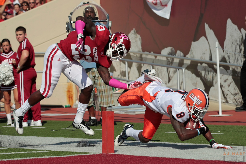 08 October 2011: Illinois Fighting Illini wide receiver A.J. Jenkins (8) as the Illinois Fighting Illini  played the Indiana Hoosiers in a college football game in Bloomington, Ind.