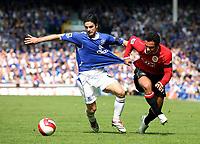 Photo: Paul Thomas.<br /> Everton v Manchester United. The Barclays Premiership. 28/04/2007.<br /> <br /> Mikel Arteta (L) of Everton battles with Kieran Richardson.