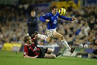 Fotball<br /> Premier League England 2004/2005<br /> Foto: SBI/Digitalsport<br /> NORWAY ONLY<br /> <br /> Everton v Manchester City<br /> Barclays Premiership<br /> 26/12/2004<br /> <br /> Kevin Kilbane of Everton skips away from the challenge of Richard Dunne of Manchester City.