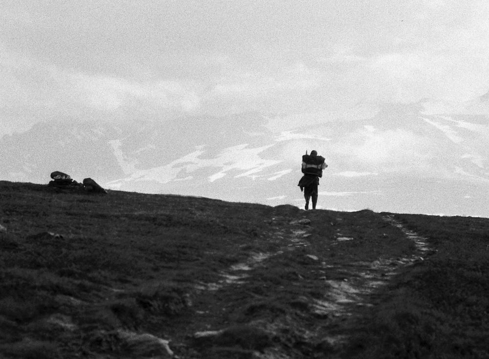 1973   Vandrare på väg mot Sylarna i Jämtlandsfjällen