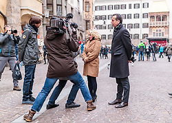 24.02.2018, Goldenes Dachl, Innsbruck, AUT, Landtagswahl in Tirol 2018, SPOe Wahlkampfschlussveranstaltung, im Bild v.l.: Spitzenkandidatin Elisabeth Blanik (SPOe), Bundesparteiobmann Christian Kern (SPOe) bei einem TV Interview // during a campaign event of the SPOe Party for the State election in Tyrol 2018. Goldenes Dachl in Innsbruck, Austria on 2018/02/24. EXPA Pictures © 2018, PhotoCredit: EXPA/ JFK