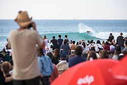 October 20, 2018 - Peniche, Portugal - The Brazilian surfer, Italo Ferreira on the wave. (Credit Image: © Henrique Casinhas/NurPhoto via ZUMA Press)
