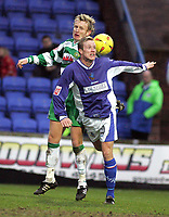 Fotball<br /> England 2004/2005<br /> Foto: SBI/Digitalsport<br /> NORWAY ONLY<br /> <br /> Macclesfield Town v Yeovil Town<br /> Macclesfield. Coca Cola League Two. <br /> 05/02/2005. <br /> <br /> Terry Skiverton and Neil MacKenize